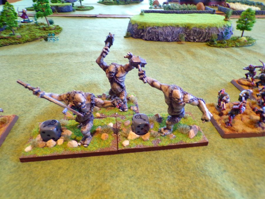 Cave Trolls, and there are three of them! - miniatures.