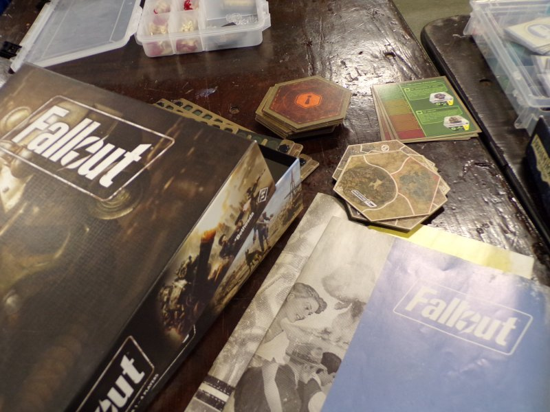 Fallout Boardgame, components.
